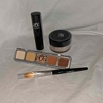 Foundation Basic Kit with Foundation Brush